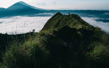 sunrise hiking mount batur