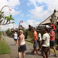 visit bali traditional village with kid