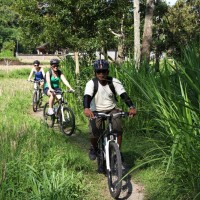 biking through pura taman