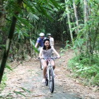 Bamboo forest cycling with Julia Manissero