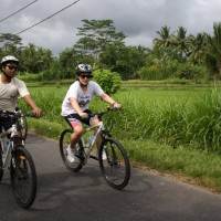 Bali bike tour with Flavia with Agus
