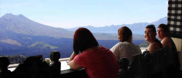 Lunch with volcano and lake view of batur at kintamani