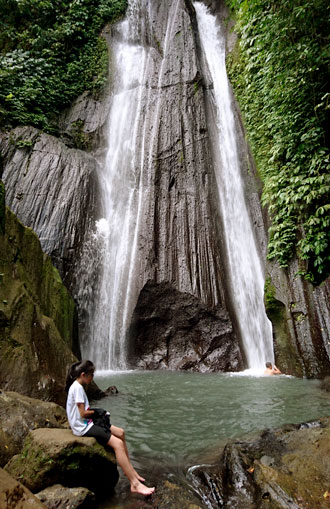 Dedari waterfall trekking tour